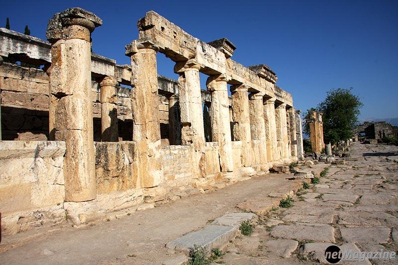 Hierapolis - antike Ausgrabungsstätte beim Naturwunder Pamukkale